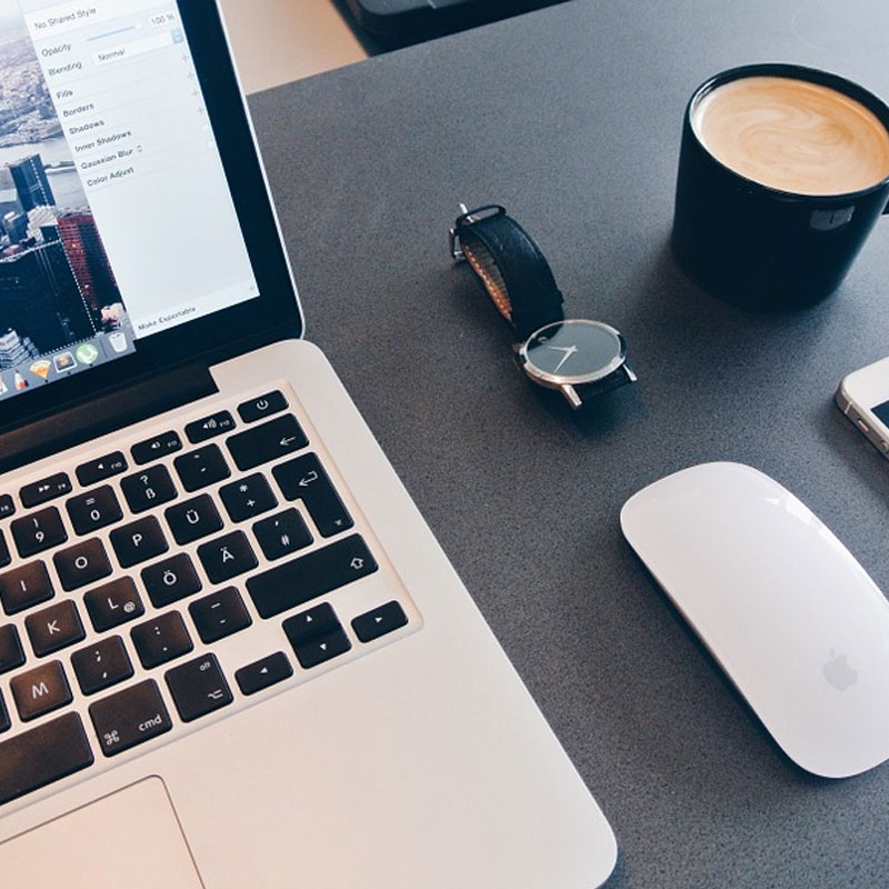 Team up with other bloggers on guest posts to increase your blog's readership | Blogging tips and advice | How to make money online | The Social Media Virgin
