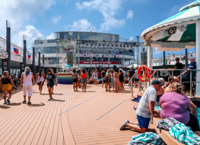 Tips for your first cruise | Things you should know as a first time cruiser | Travel guide | The Social Media Virgin Travel & Lifestyle Blog for the Mature Woman